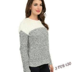 Fuzzy Eeylash Knit Marled Pullover Sweater S